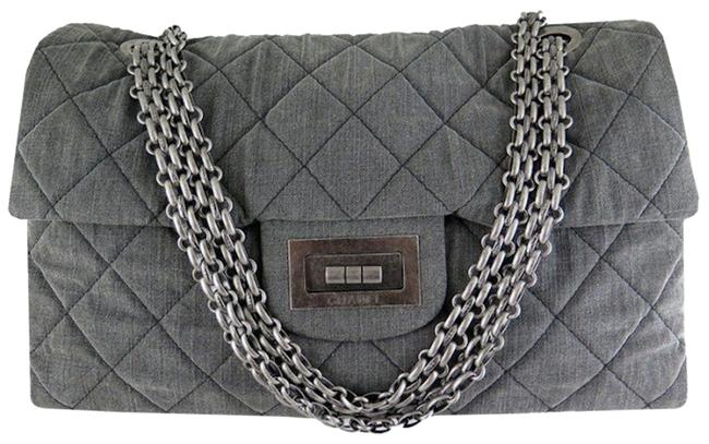 Item - 2.55 Reissue Xxl Airlines Flap Travel Maxi Quilted Maxi Grey Canvas Shoulder Bag