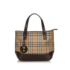 98616332a Burberry Bags and Purses on Sale - Up to 70% off at Tradesy (Page 3)