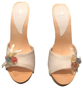 Bakers Slides Beads Bow New White Mules