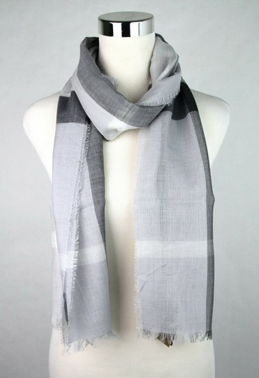 Burberry Burberry Pale Gray Wool Silk Checkered Scarf 39313231 Image 1