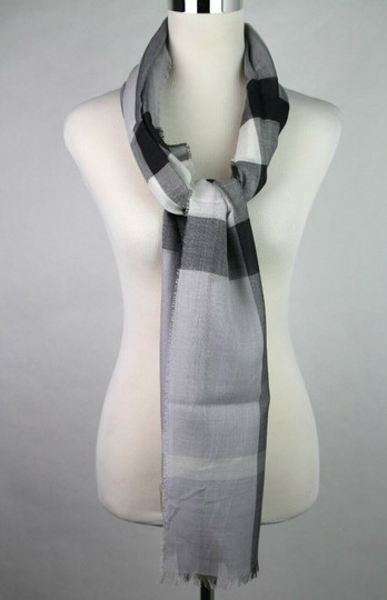 Burberry Burberry Pale Gray Wool Silk Checkered Scarf 39313231 Image 3