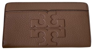 Tory Burch NWT Tory Burch BomBe T Zip Continental Wallet