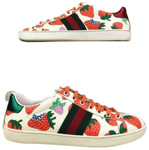 252479911 Gucci Strawberry Print Stripe Sneakers Beige Athletic