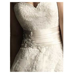 Allure Bridals Ivory Lace 8850 By Feminine Wedding Dress Size 12 (L)