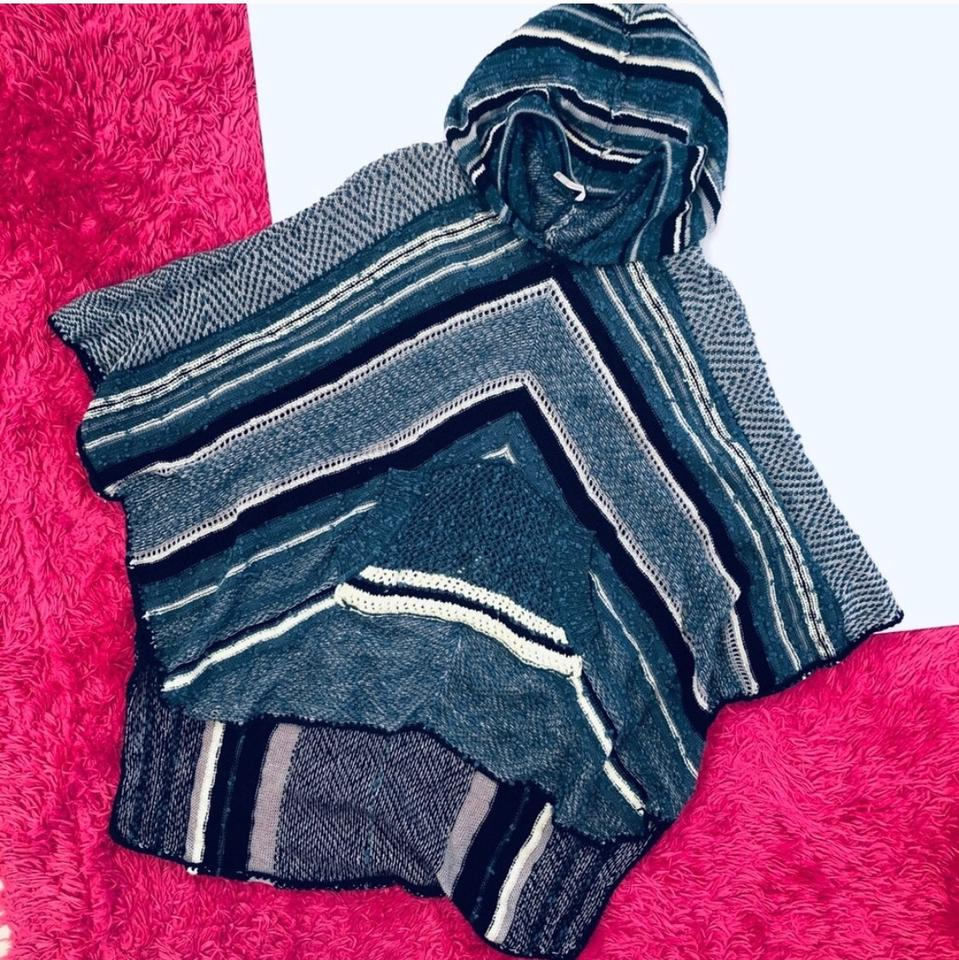 Free People Rising Tides Hooded Sweater Poncho/Cape Size 4 (S) 64% off  retail