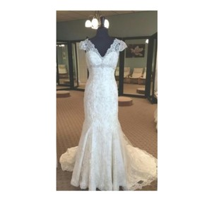 Allure Bridals Ivory Lace C207 By Feminine Wedding Dress Size 12 (L)