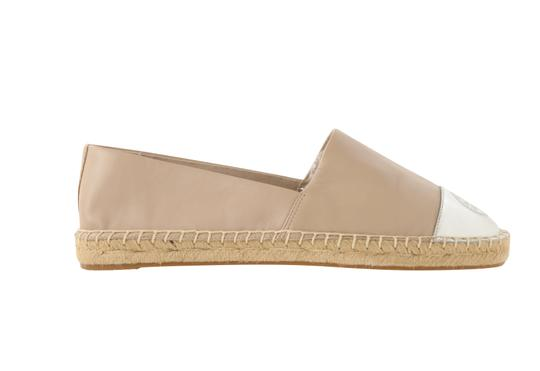 Preload https://img-static.tradesy.com/item/25701210/tory-burch-beige-leather-espadrilles-flats-size-us-9-regular-m-b-0-2-540-540.jpg
