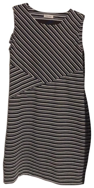 Item - Black and White Short Casual Dress Size 14 (L)