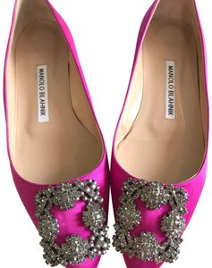 d563d5185a84e Pink Manolo Blahnik Flats Up to 90% off at Tradesy