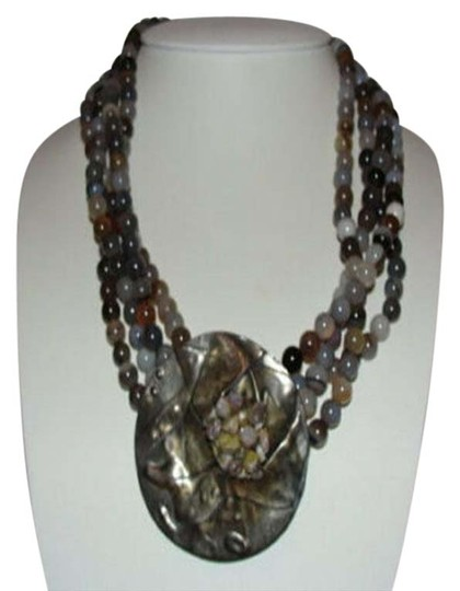 Preload https://img-static.tradesy.com/item/25703437/silver-modernist-sterling-grey-white-banded-agate-bead-necklace-0-1-540-540.jpg