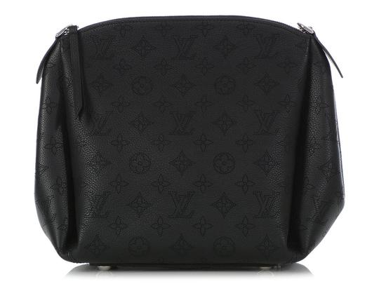 Preload https://img-static.tradesy.com/item/25703543/louis-vuitton-babylone-chain-bb-black-mahina-leather-shoulder-bag-0-0-540-540.jpg