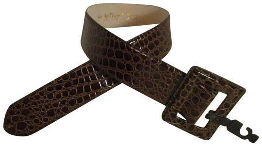 Preload https://img-static.tradesy.com/item/25703580/betsey-johnson-brown-croc-embossed-wide-patent-leather-belt-0-1-540-540.jpg