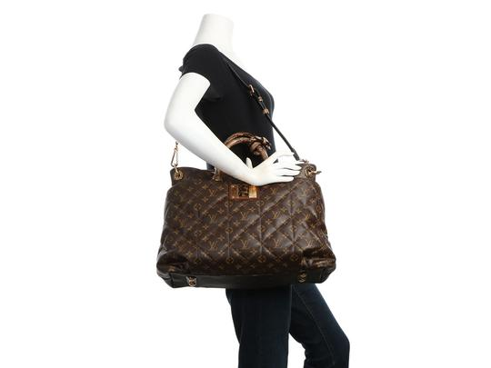 Louis Vuitton Lv.q0607.15 Python Snakeskin Quilted Gold Hardware Tote in Brown Image 10