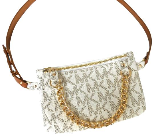 Preload https://img-static.tradesy.com/item/25703624/michael-kors-fanny-pack-medium-vanillagold-faux-leather-cross-body-bag-0-1-540-540.jpg