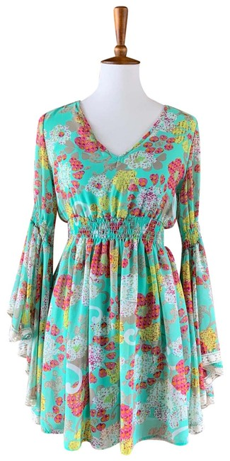 Preload https://img-static.tradesy.com/item/25703626/basically-me-mint-butterfly-sleeve-short-casual-dress-size-4-s-0-1-650-650.jpg