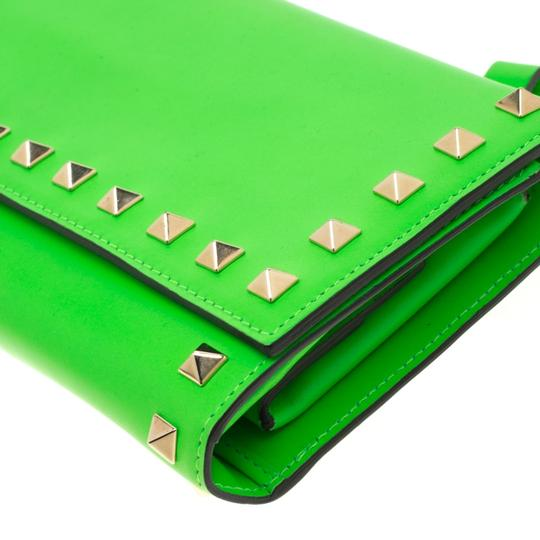 Valentino Neon Green Leather Rockstud Trifold Wallet Image 4