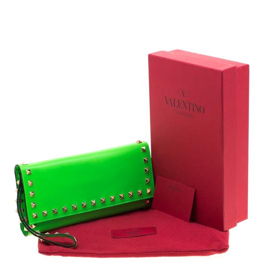 Valentino Neon Green Leather Rockstud Trifold Wallet Image 9