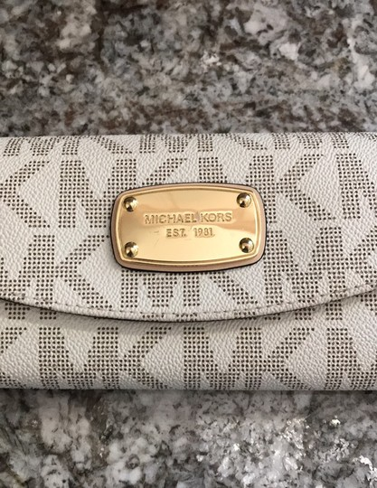 MICHAEL Michael Kors Off white with tan lettering. Clutch Image 3