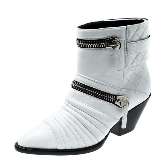 Preload https://img-static.tradesy.com/item/25703885/giuseppe-zanotti-white-quilted-leather-ankle-bootsbooties-size-eu-38-approx-us-8-regular-m-b-0-1-540-540.jpg