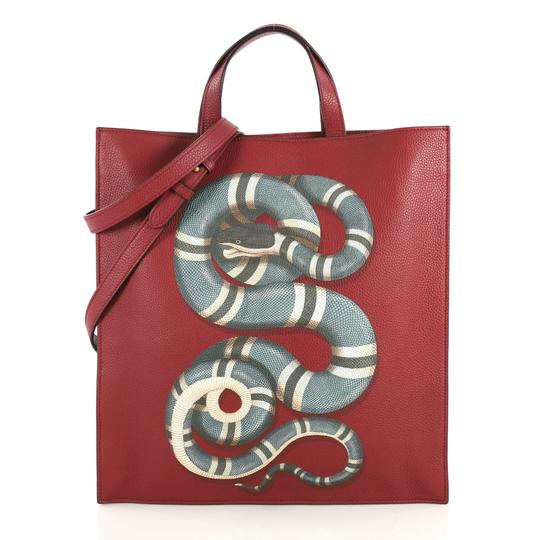 Preload https://img-static.tradesy.com/item/25703956/gucci-open-convertible-soft-printed-leather-tall-red-tote-0-0-540-540.jpg