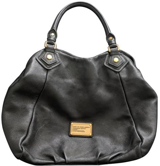 Preload https://img-static.tradesy.com/item/25703992/marc-by-marc-jacobs-black-and-gold-hobo-bag-0-1-540-540.jpg