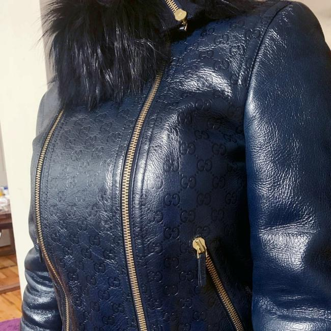 Preload https://item2.tradesy.com/images/gucci-blue-shearling-bomber-jacket-size-4-s-25704031-0-3.jpg?width=400&height=650