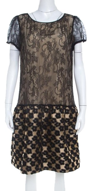 Preload https://img-static.tradesy.com/item/25704089/red-valentino-beige-l-black-floral-lace-and-jacquard-paneled-sleeve-short-casual-dress-size-14-l-0-2-650-650.jpg