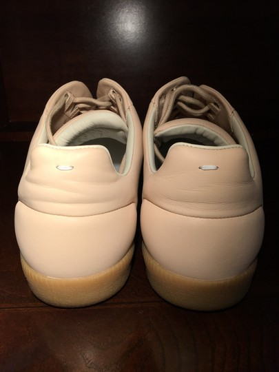 Maison Margiela creme Athletic Image 1