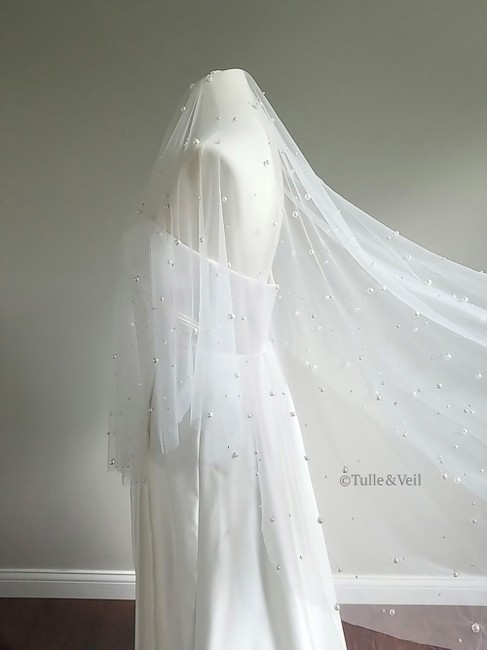 Unbranded Ivory Medium Two Tier Pearl Bridal Veil Unbranded Ivory Medium Two Tier Pearl Bridal Veil Image 1