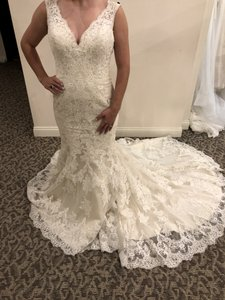 Allure Bridals Gold / Ivory Lace 9322 Traditional Wedding Dress Size 8 (M)