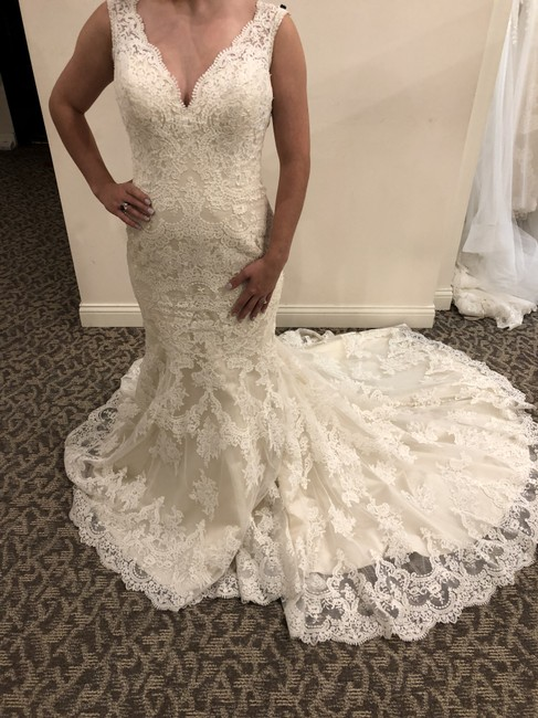 Allure Bridals Gold / Ivory Lace 9322 Traditional Wedding Dress Size 8 (M) Allure Bridals Gold / Ivory Lace 9322 Traditional Wedding Dress Size 8 (M) Image 1