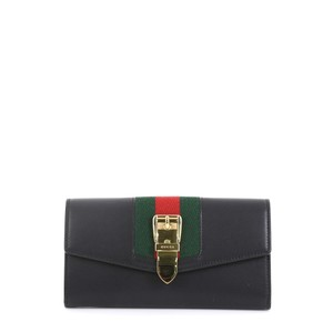 Gucci Sylvie Continental Leather Wristlet in black