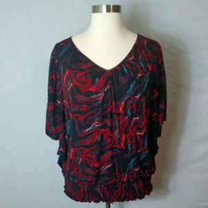 New Directions Top Black and Red Multi