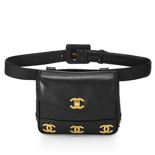 Preload https://img-static.tradesy.com/item/25708315/chanel-bum-rare-vintage-90s-triple-cc-logo-belt-fanny-pack-black-lambskin-leather-cross-body-bag-0-0-540-540.jpg
