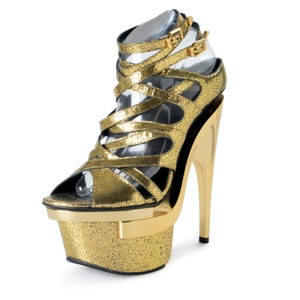 0a8d94ef724 Versace Pumps Up to 90% off at Tradesy