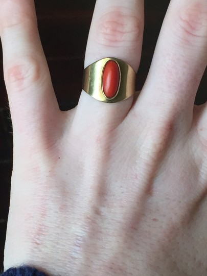 Vintage Solid 14k Yellow Gold HEAVY Wide Vintage Coral Ring Size 7 Image 5