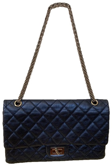 Preload https://img-static.tradesy.com/item/25708591/chanel-255-reissue-double-flap-excellent-preowned-size-227-metallic-blue-navy-calfskin-leather-shoul-0-2-540-540.jpg