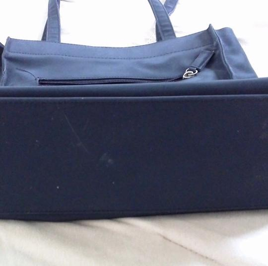 Guess Tote in Black Image 5