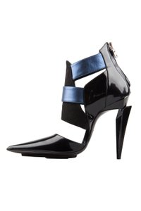 Etro Two-tone Suede Patent Leather Pointed Toe Black Boots