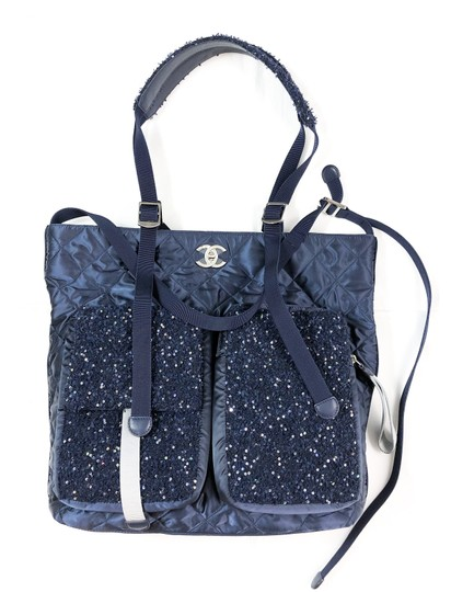 Chanel Shopping Fantasy Tweed Cc Quilted Runway Tote in NAVY BLUE Image 2