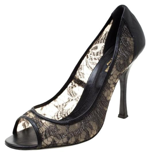 Preload https://img-static.tradesy.com/item/25709097/sergio-rossi-black-lace-and-leather-pumps-size-eu-41-approx-us-11-regular-m-b-0-1-540-540.jpg