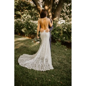 Galina White Lace with Low Back Sexy Wedding Dress Size 4 (S)