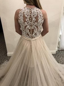 Allure Bridals Champagne / Ivory / Nude / Silver Tulle 9509 Modern Wedding Dress Size 8 (M)