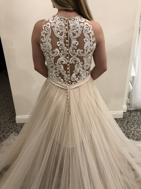 Item - Champagne / Ivory / Nude / Silver Tulle 9509 Modern Wedding Dress Size 8 (M)