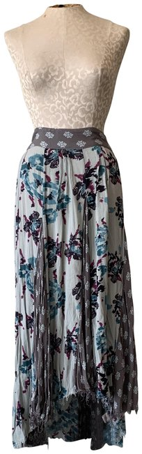Item - Blue and Gray Floral Skirt Size 8 (M, 29, 30)