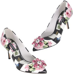 Dolce&Gabbana Office Attire Business Casual Spring Time Runway Butterfly Black White Pink Pumps