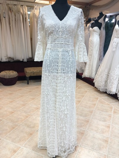 Jade Couture Antique Ivory Lace Antique-look Destination Gown with Belle Sleeves Vintage Wedding Dress Size 12 (L) Image 1