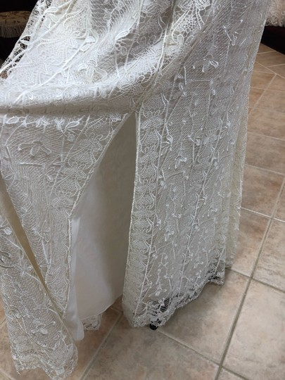 Jade Couture Antique Ivory Lace Antique-look Destination Gown with Belle Sleeves Vintage Wedding Dress Size 12 (L) Image 2