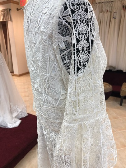 Jade Couture Antique Ivory Lace Antique-look Destination Gown with Belle Sleeves Vintage Wedding Dress Size 12 (L) Image 4