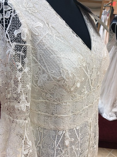 Jade Couture Antique Ivory Lace Antique-look Destination Gown with Belle Sleeves Vintage Wedding Dress Size 12 (L) Image 5